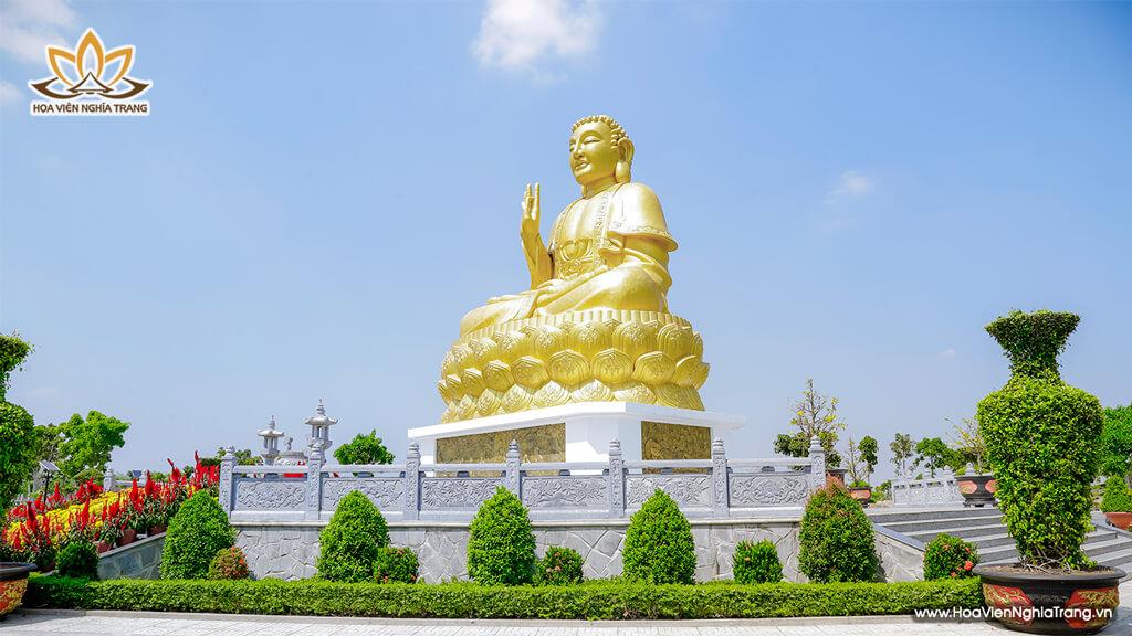 Tượng Phật Vàng Cao 18m
