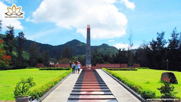 Tượng đài nghĩa trang Hàng Dương